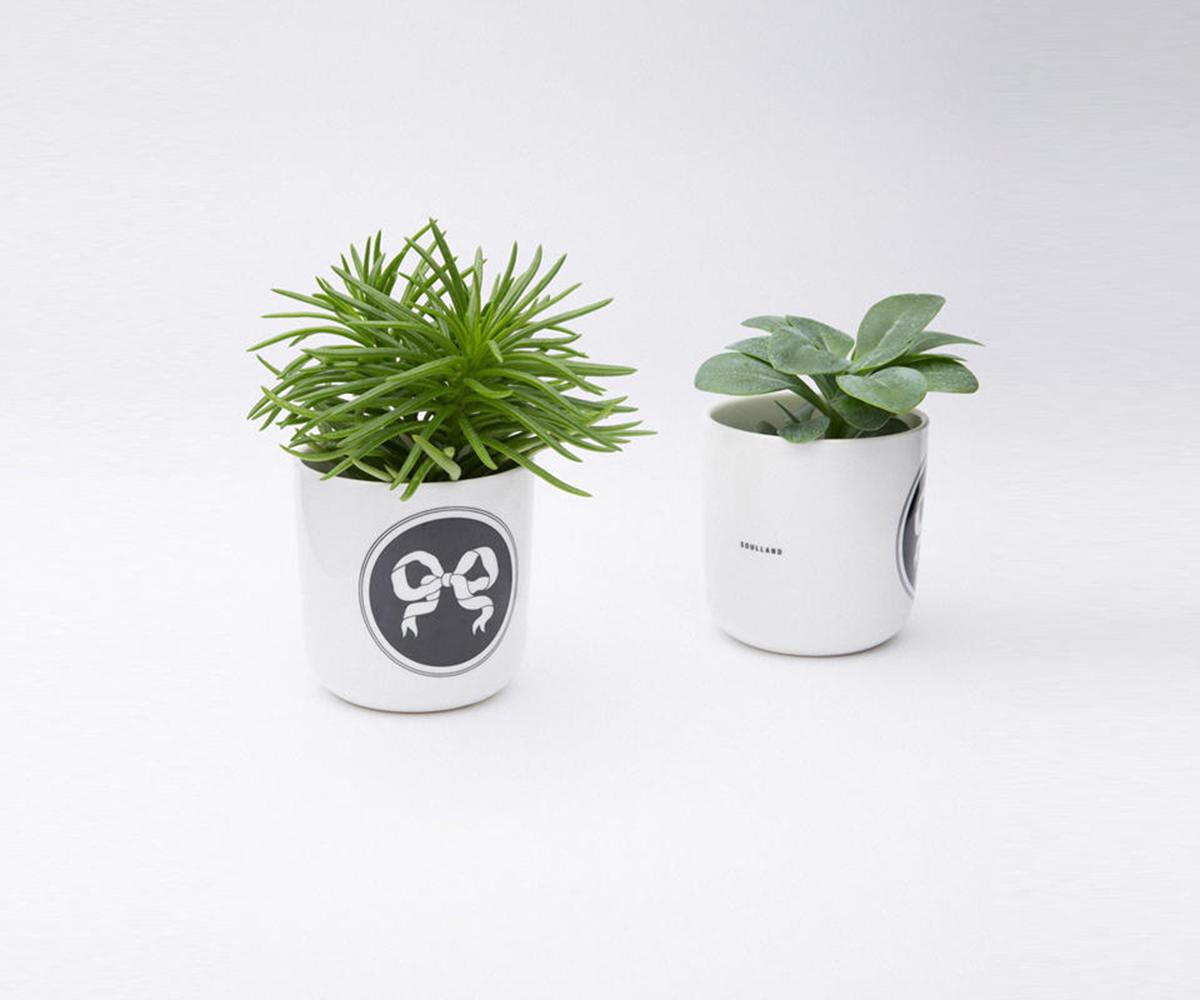 soulland-playtype-break-coffee-mug-white-black